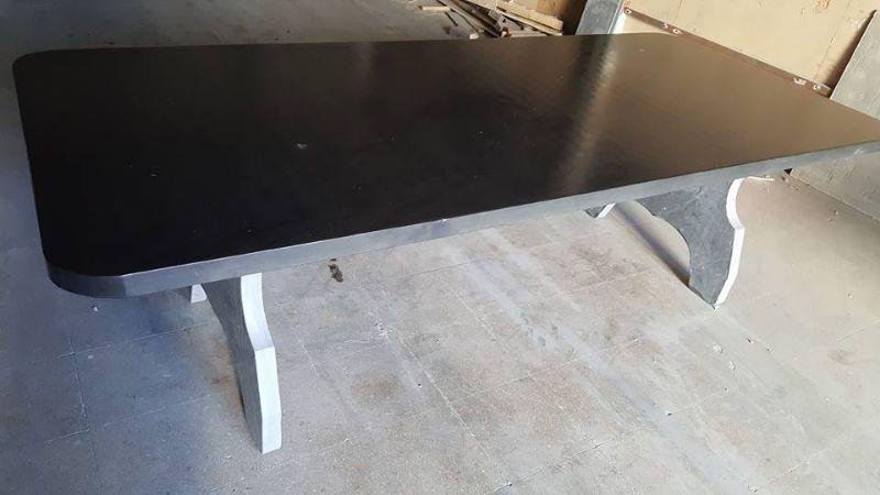 Mesa de pizarra negra 2