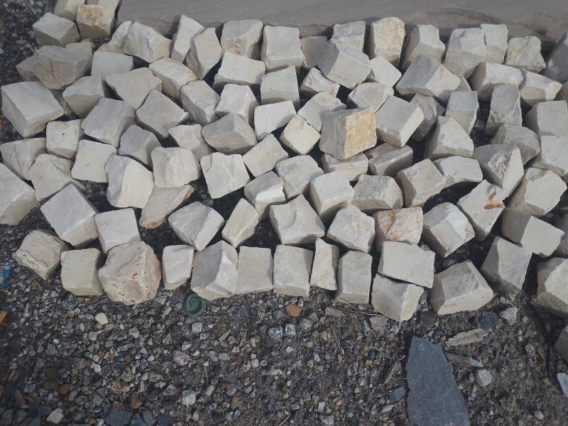Adoquines de alabastro